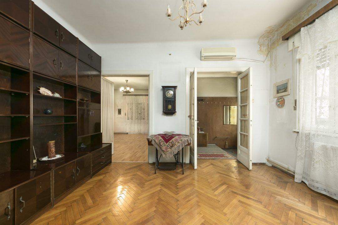 Apartament 3 camere 100mp, curte si gradina 450mp, 2 locuri de parcare-Cotroceni