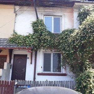Casa in zona Alba Iulia , curte proprie, cu proiect de extindere